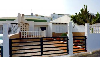 Sea view terraced house for sale in Caleta de Fuste, Fuerteventura