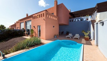 Duplex with private pool for sale in Caleta de Fuste, Fuerteventura