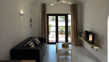 Bungalow for sale in Caleta de Fuste, Club Montecastillo - Living room