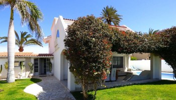 Luxury villa for sale in Corralejo, Fuerteventura
