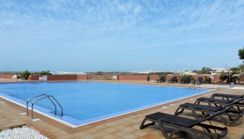 Beachfront apartment for sale in El Cotillo, Fuerteventura - Pool