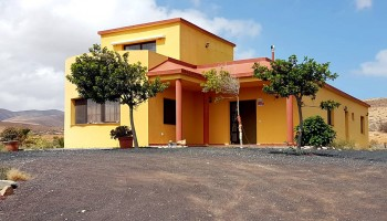 Villa with land for sale in Llanos de la Concepción, Fuerteventura