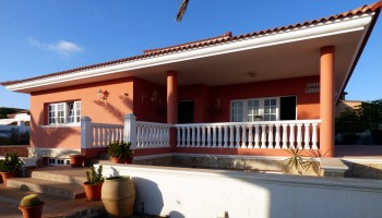 Sea view villa for sale in Parque Holandés, Fuerteventura