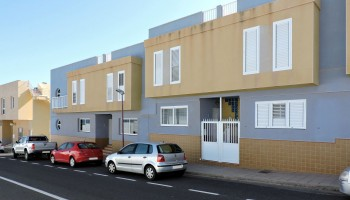 Two-storey terraced house for sale in Puerto del Rosario, Fuerteventura