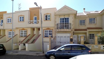 Triplex for sale in Fuerteventura - Building view