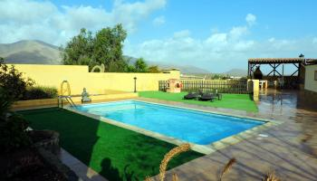 Swimming pool - Villa for sale in Triquivijate Fuerteventura