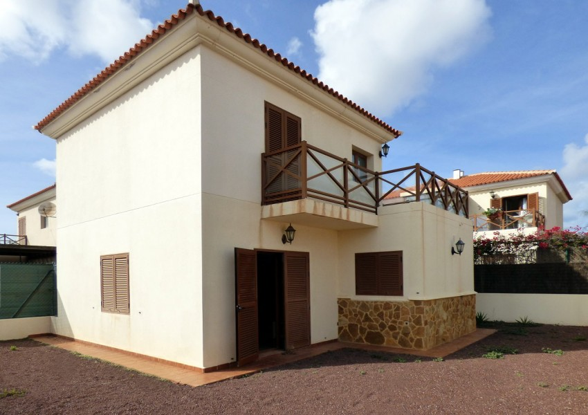 Detached house for sale in Pueblo Canario, La Capellanía, Corralejo