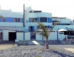 Fuerteventura | Beachfront flat for sale in Puerto Lajas - Beach view