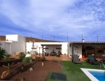 Villa with pool for sale in Fuerteventura - Pool