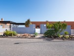 Duplex with pool in Caleta de Fuste, Fuerteventura - Street view